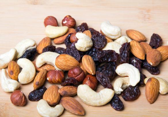 Gutes Brainfood: Studentenfutter mit Nüssen und Trockenfrüchten
